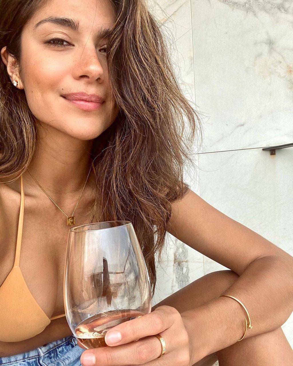 Pia Miller Sexy (72 Photos)