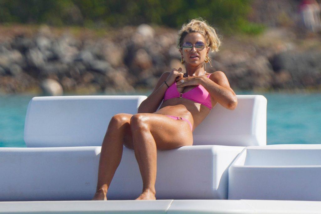 Vogue Williams Sexy (81 Photos)