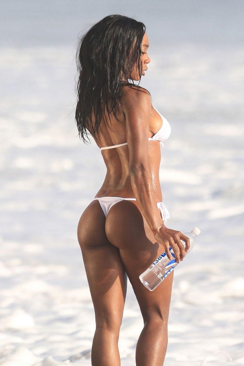 Adrianne Nina Sexy (39 Photos)