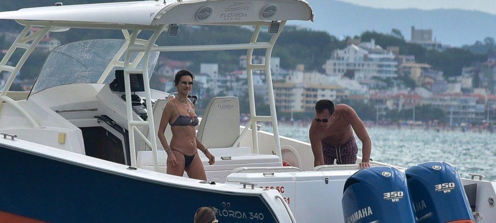 Alessandra Ambrosio Sexy (143 Photos)