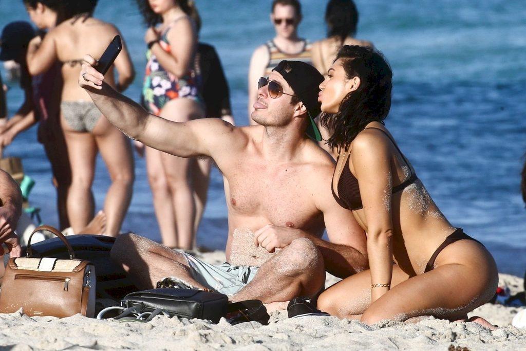 Alexandra Cane Shows Off Her Body in Miami Beach (33 Photos + Video)