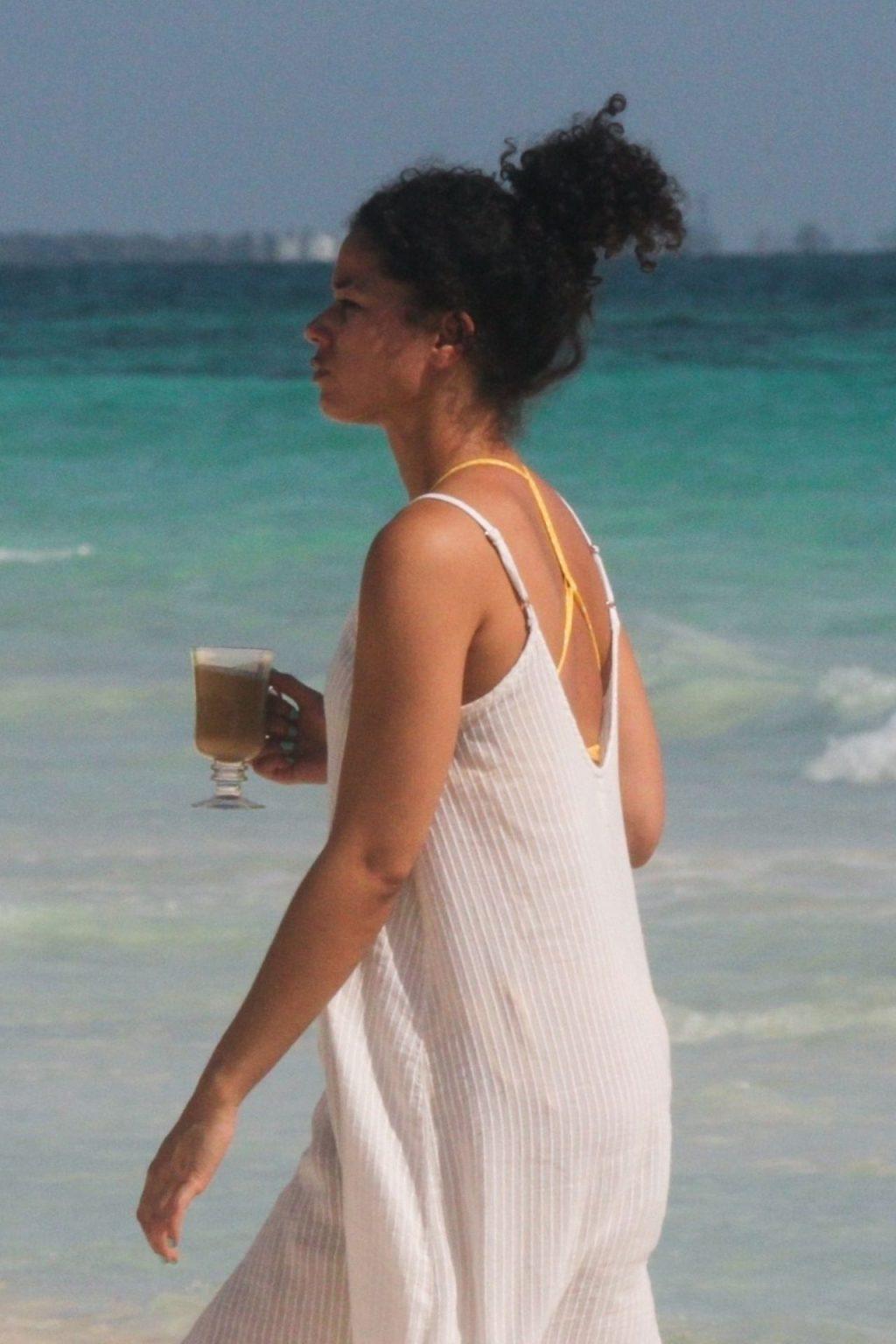 Alisha Wainwright Enjoys a Sun-Filled Getaway in Tulum (102 Photos)