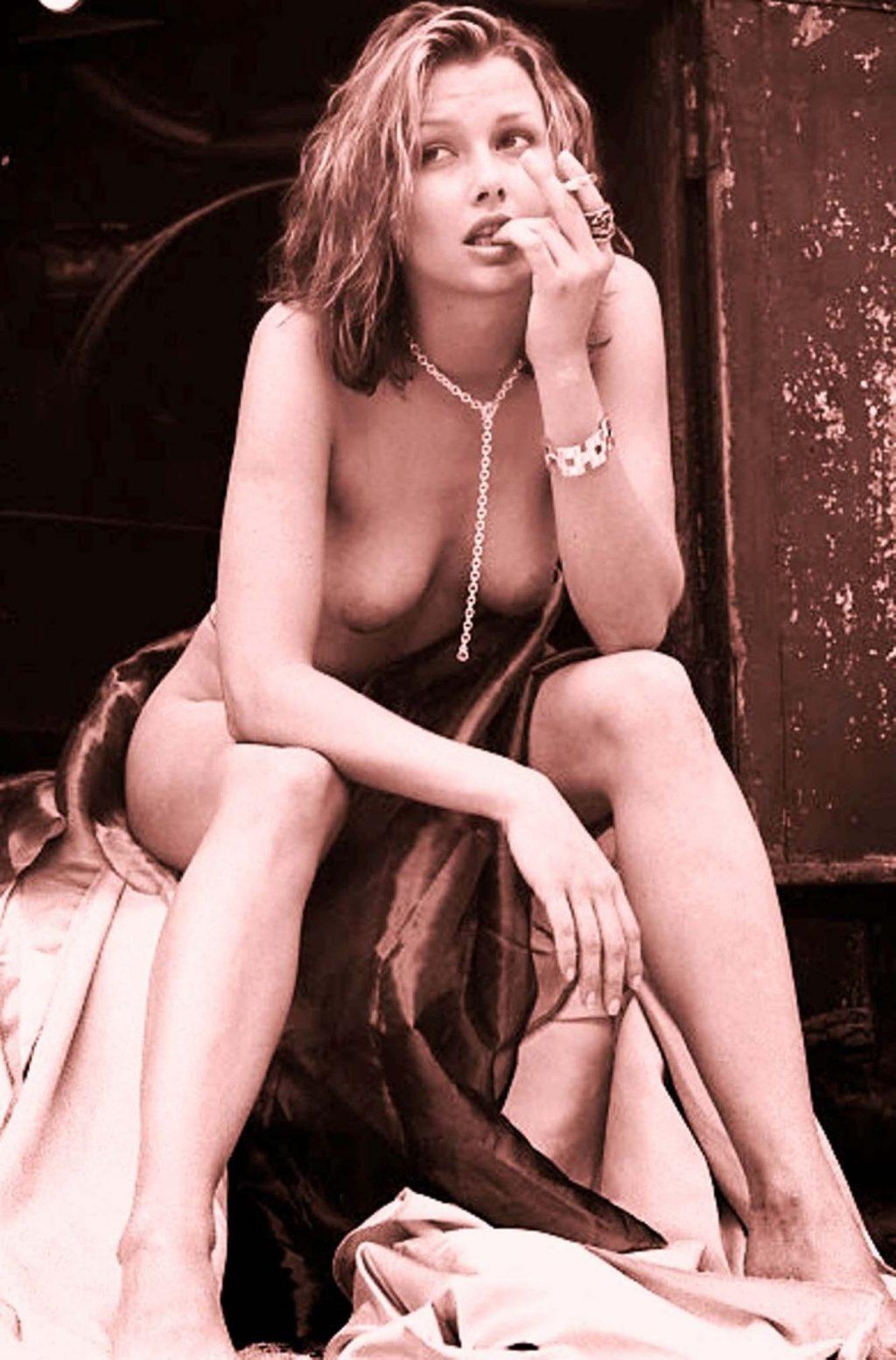 Bridget moynahan tits