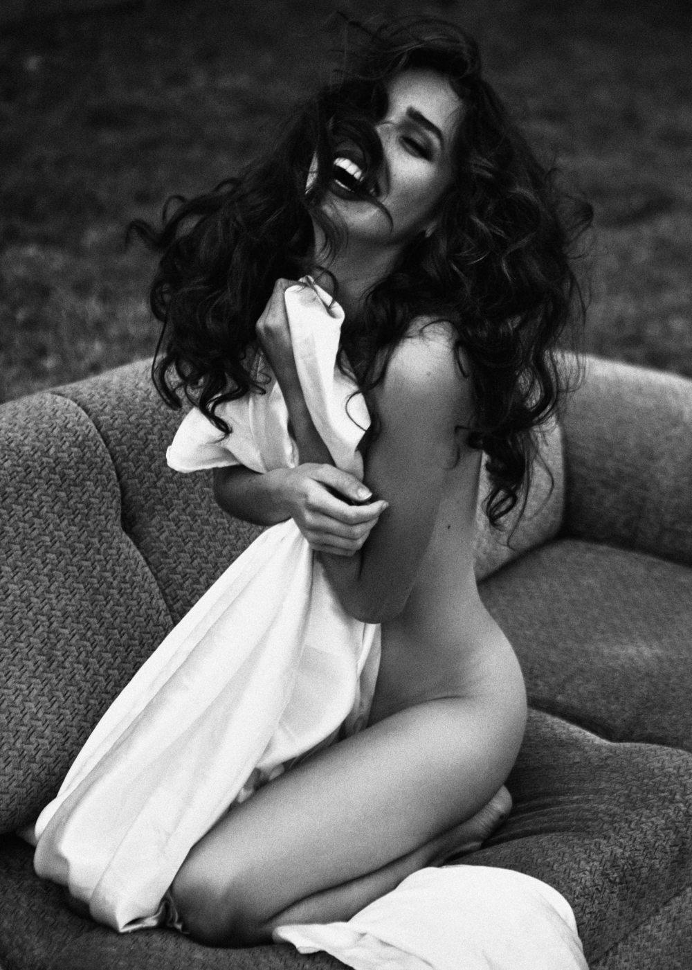 Carolina Sanchez Nude & Sexy (18 Photos)