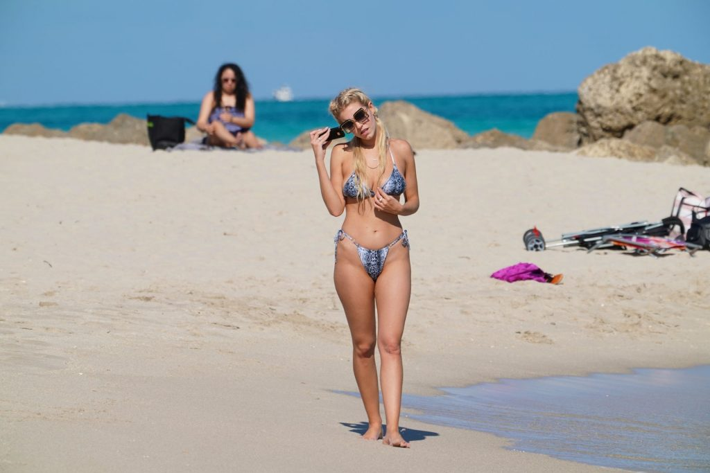 Chealse Sophia Howell Shows a Thong Bikini at the Beach in Miami (18 Photos)
