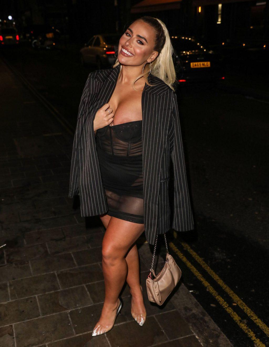 Ellie Brown Shows Off Her Boobs at Ballie Ballerson in Soho (24 Photos)