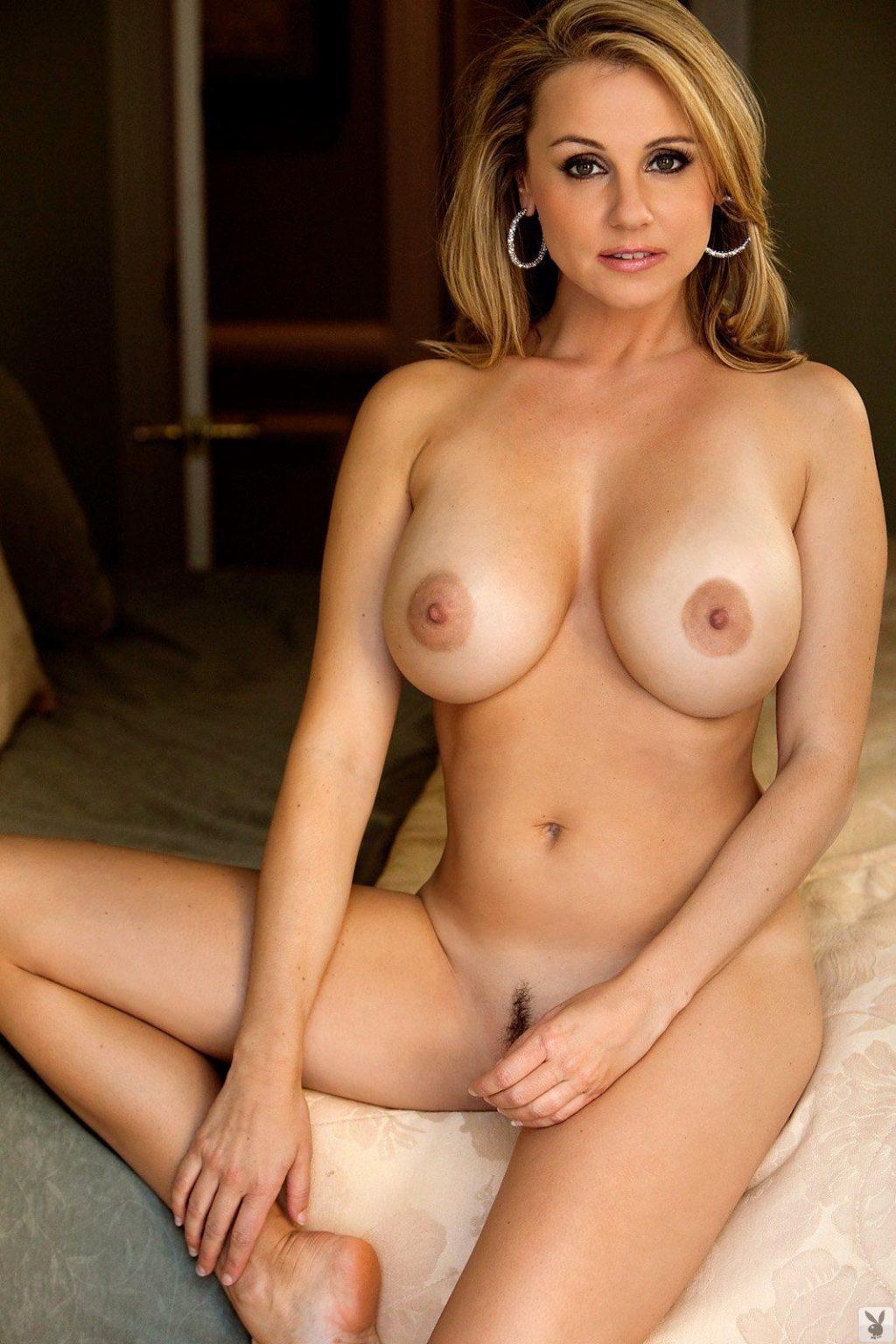 Nude emesha gabor mature Curves