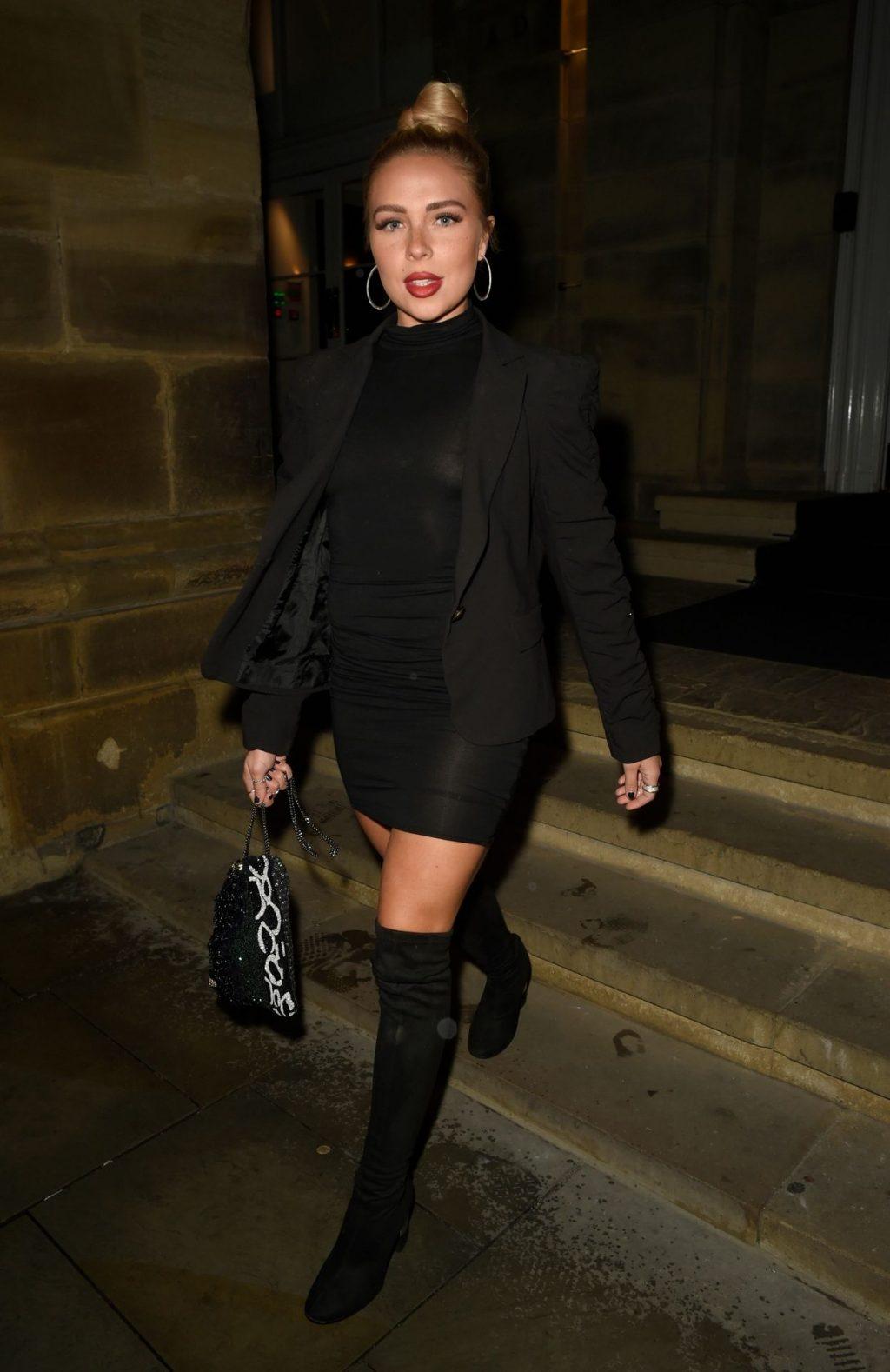 Gabby Allen Pictured Braless in Manchester (26 Photos)