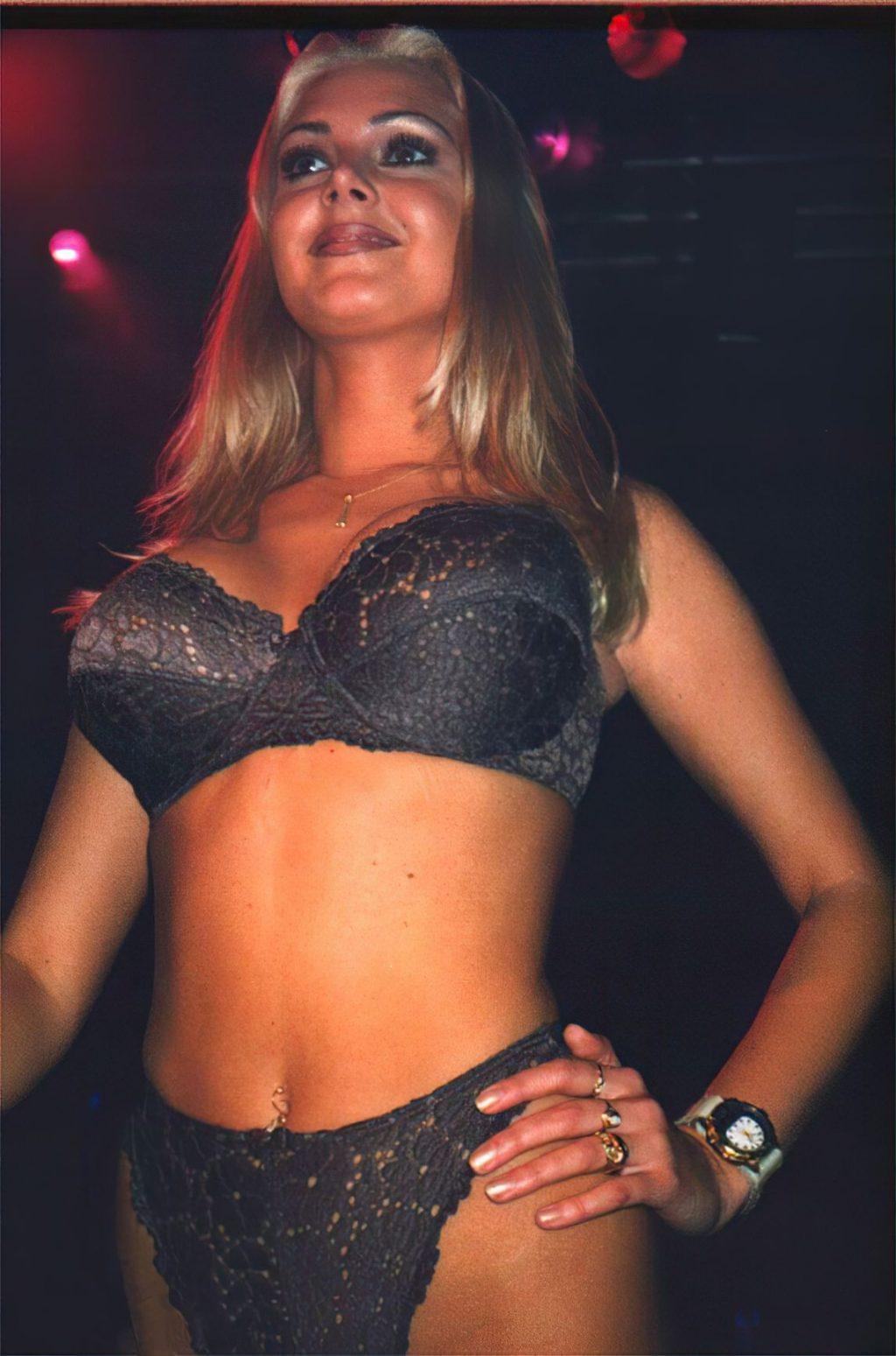 Hannah Graaf Nude (20 Photos)
