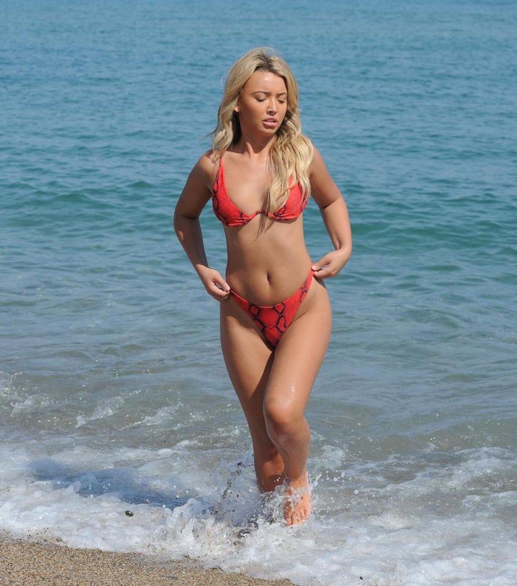 Harley Brash Shows Off Her Sexy Body (21 Photos)