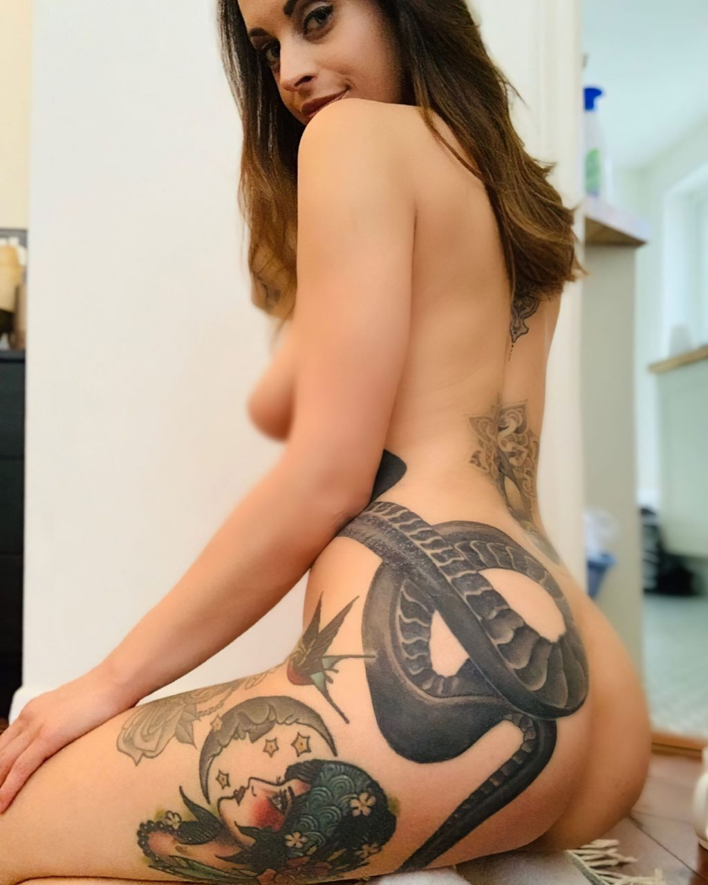 Hel Rae Nude & Sexy (26 Photos)