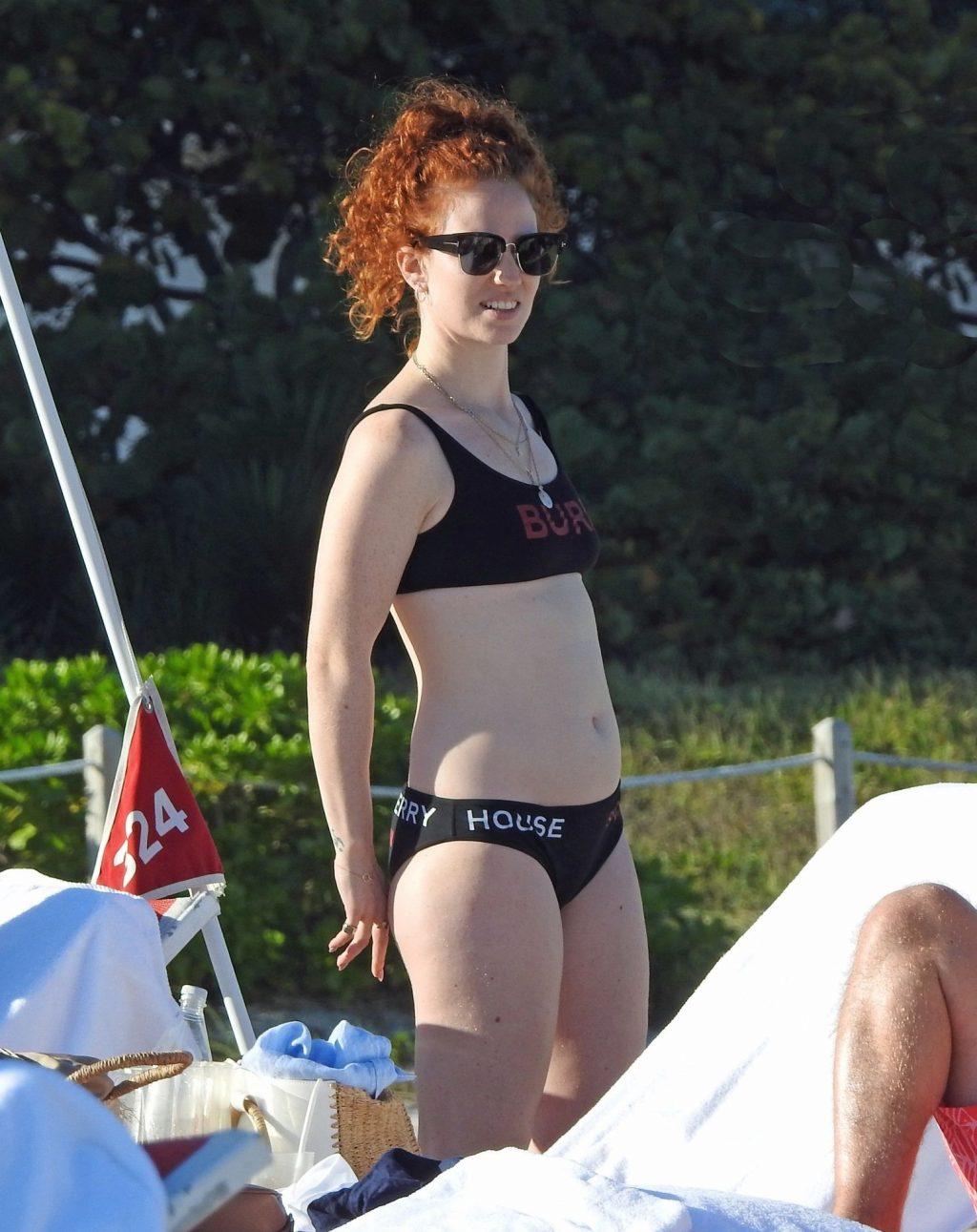 Jess Glynne Sexy (31 Photos)
