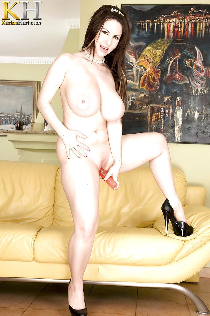 Karina Hart Nude (16 Photos)