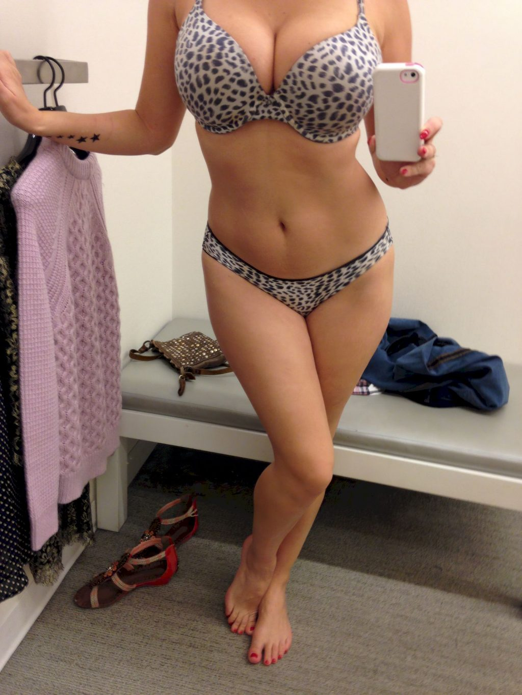 Kelly Brook Leaked The Fappening (2 Photos)