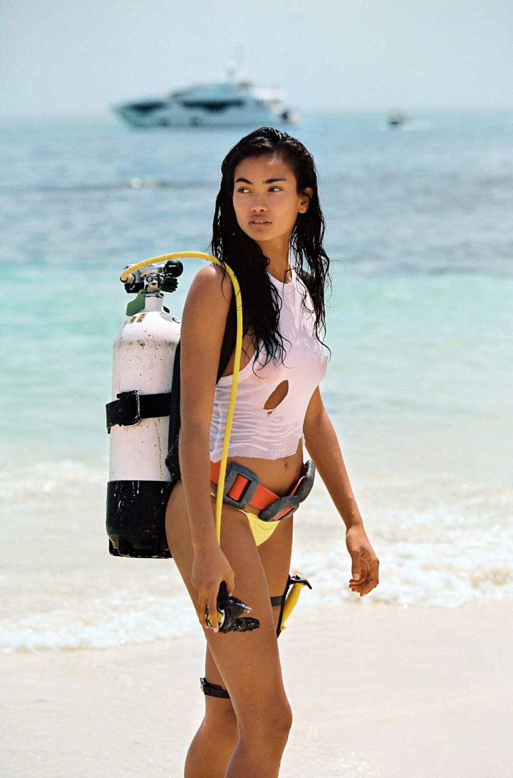 Kelly Gale's Tits & Ass (35 Photos)