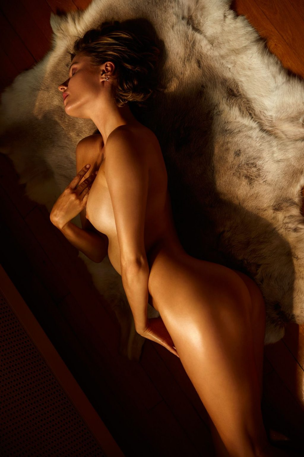 pictures nude January jones