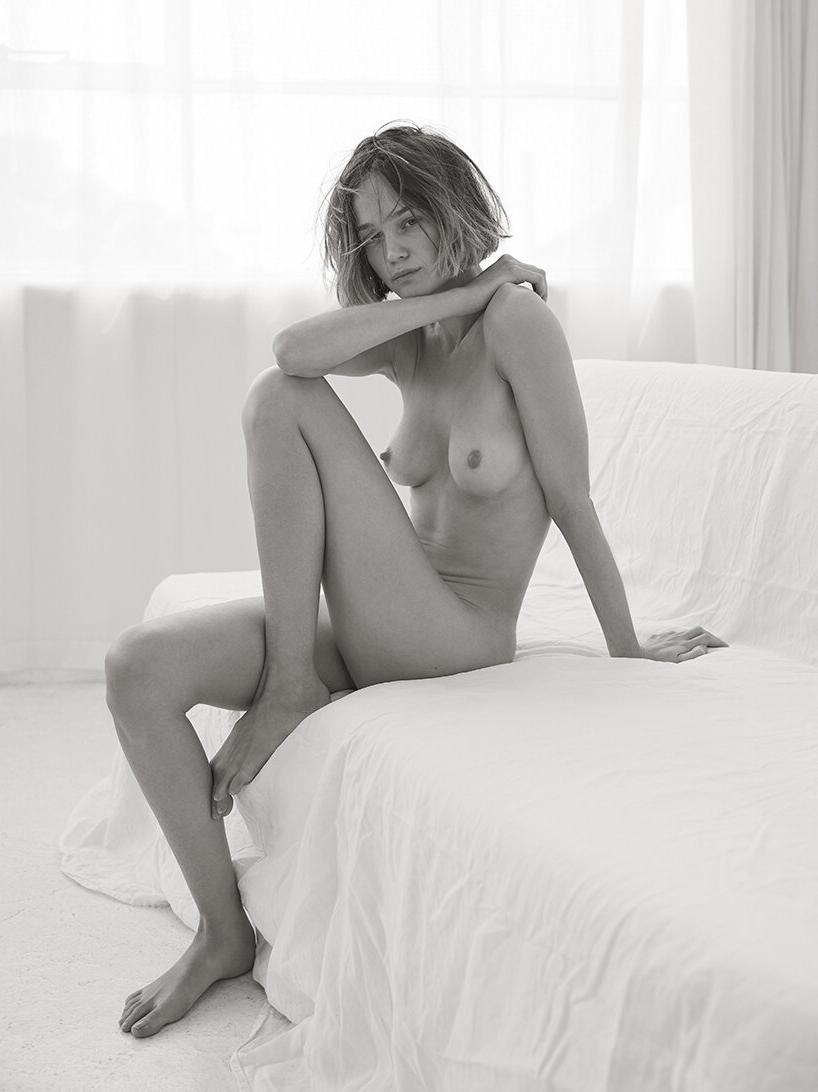 Rosie Tupper Nude (7 Photos)