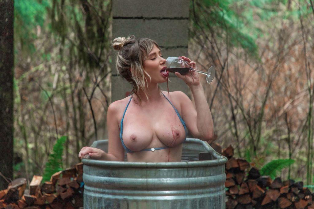 Sara Underwood Nude & Sexy (7 Photos)