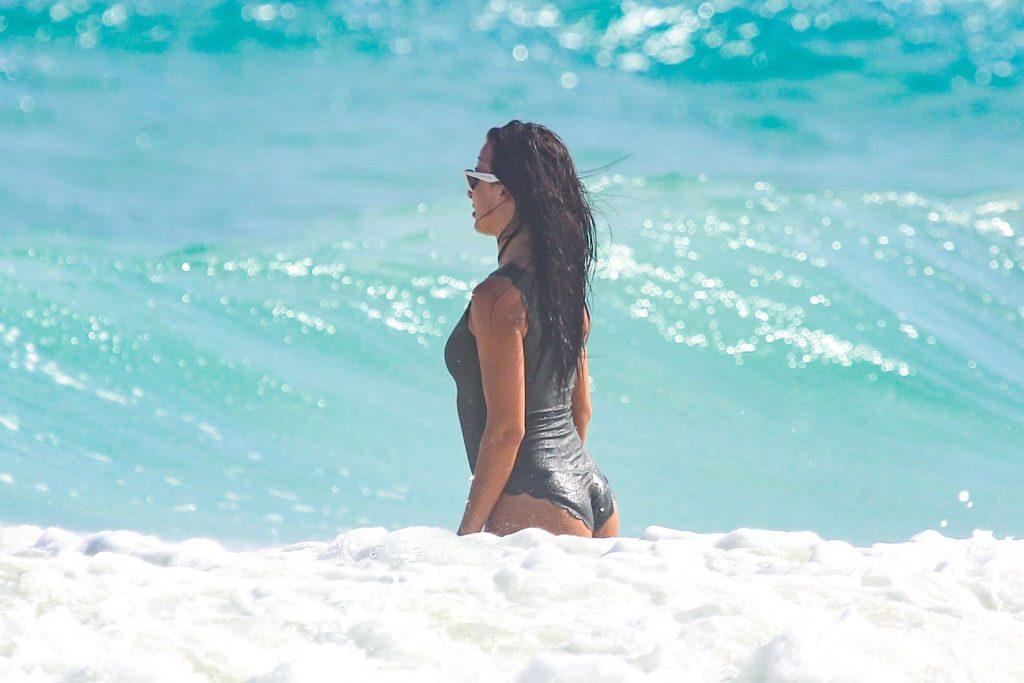 Sofia Nikitchuk Sexy (50 Photos)