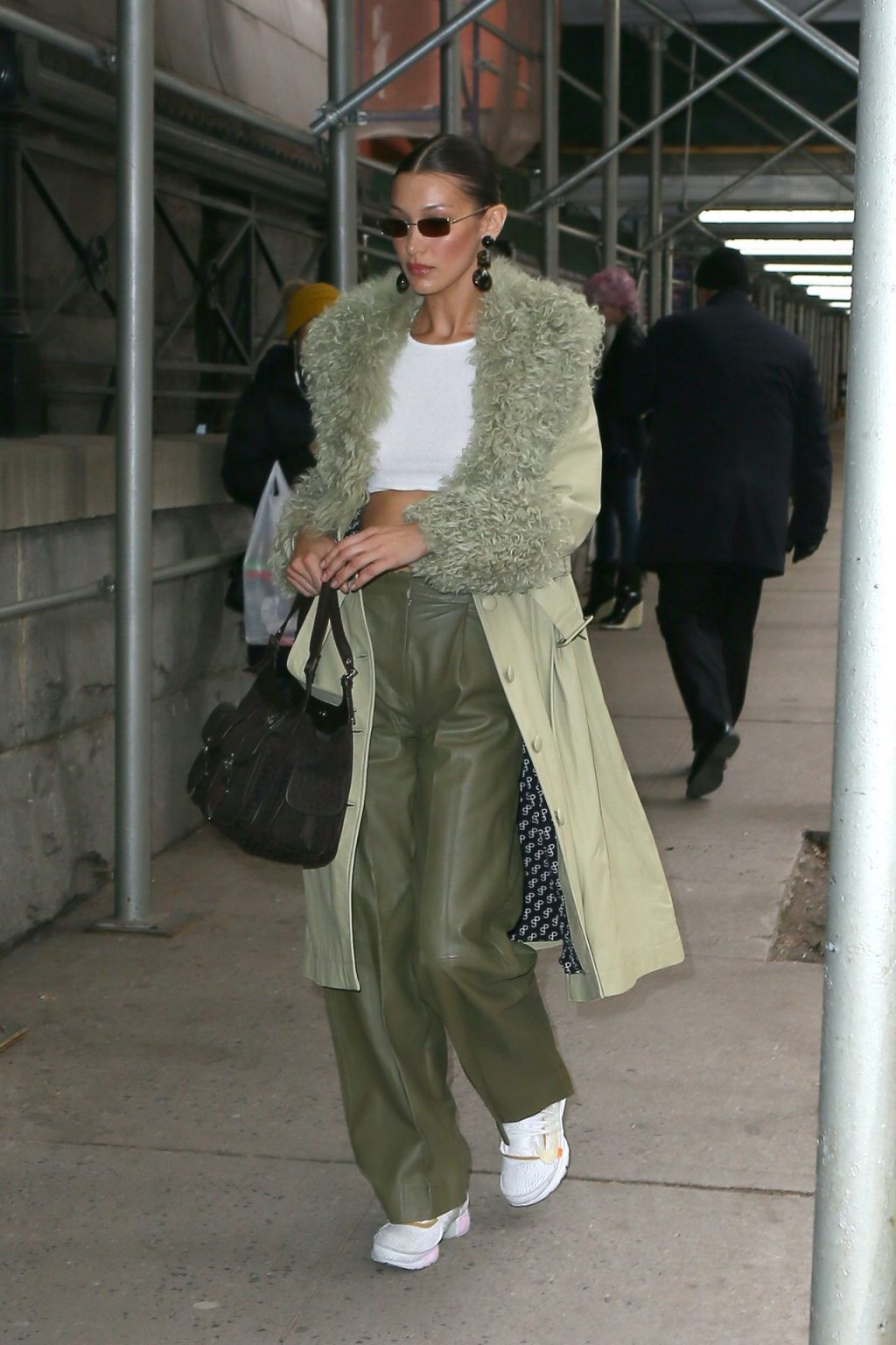 Bella Hadid See through The Fappening Blog 24 1024x1536 - Braless Bella Hadid Arrives at the Park Avenue Armory for the Marc Jacobs Fashion Show (59 Photos)