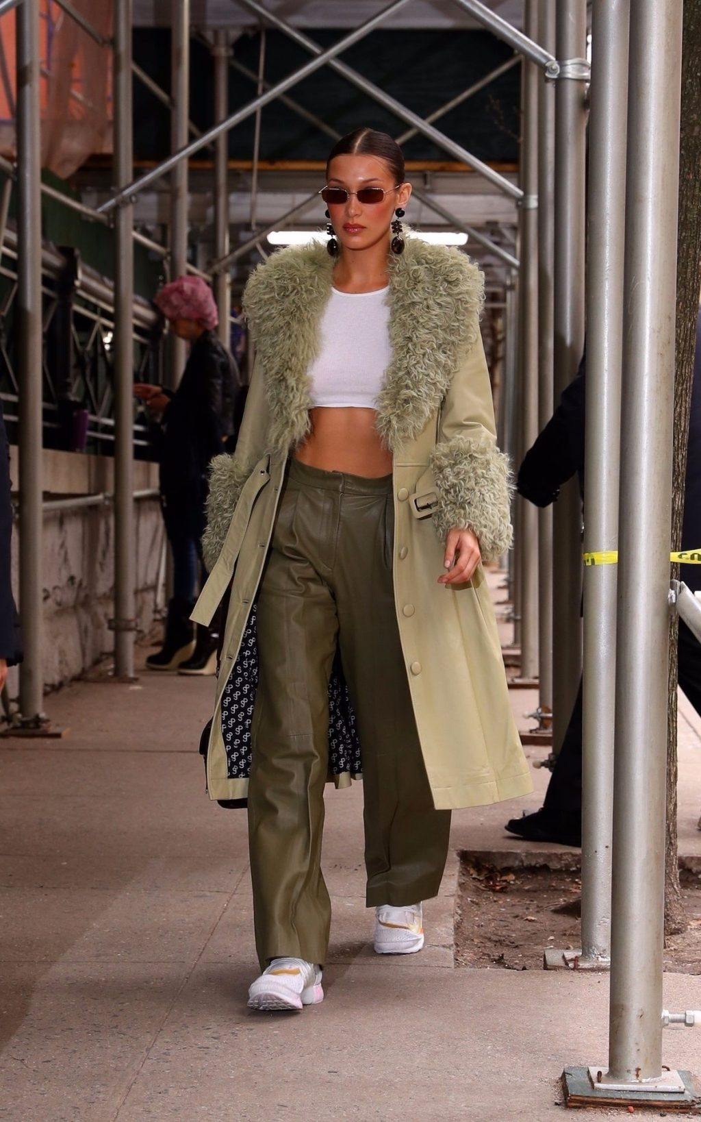 Bella Hadid See through The Fappening Blog 26 1024x1638 - Braless Bella Hadid Arrives at the Park Avenue Armory for the Marc Jacobs Fashion Show (59 Photos)