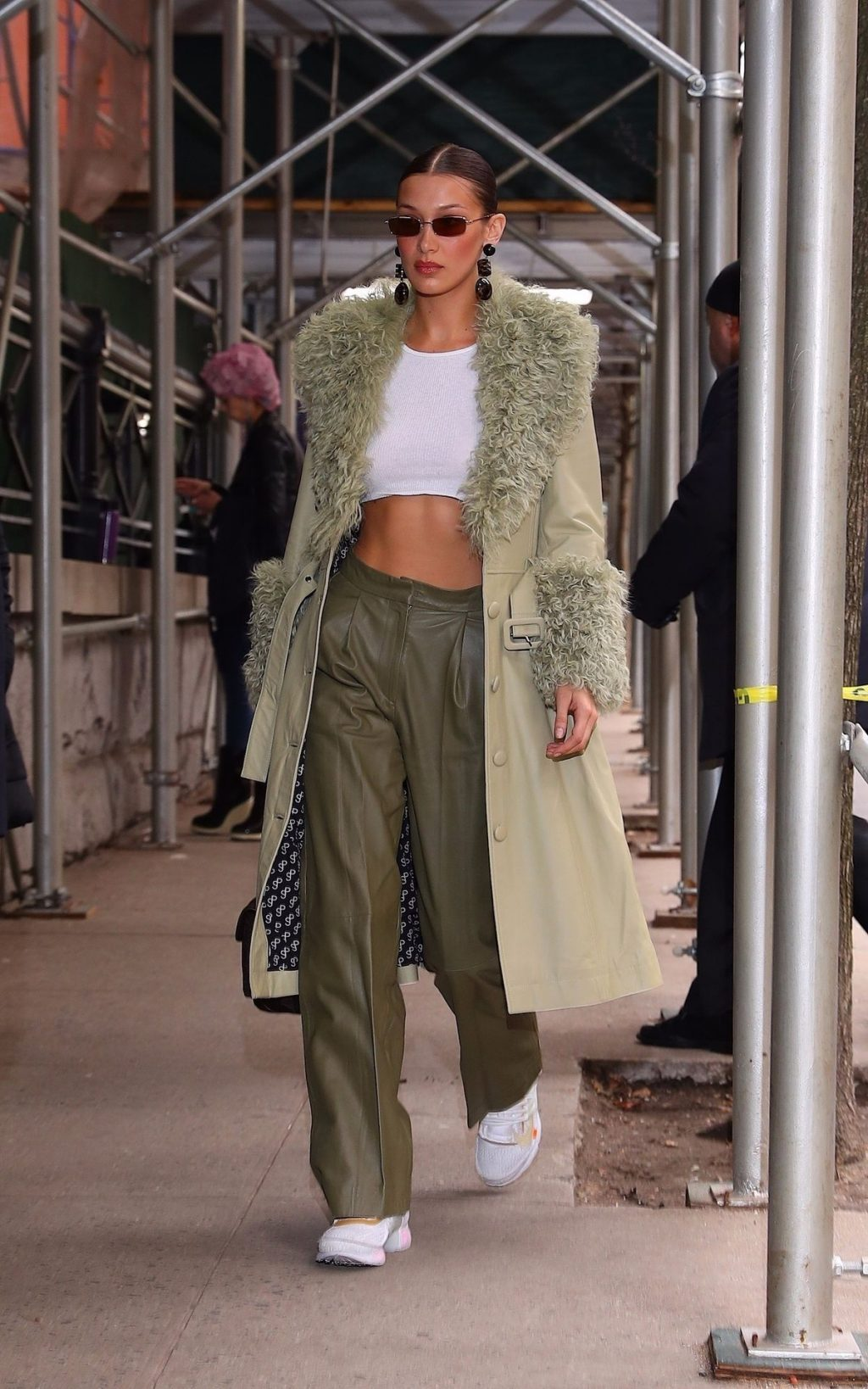 Bella Hadid See through The Fappening Blog 30 1024x1638 - Braless Bella Hadid Arrives at the Park Avenue Armory for the Marc Jacobs Fashion Show (59 Photos)
