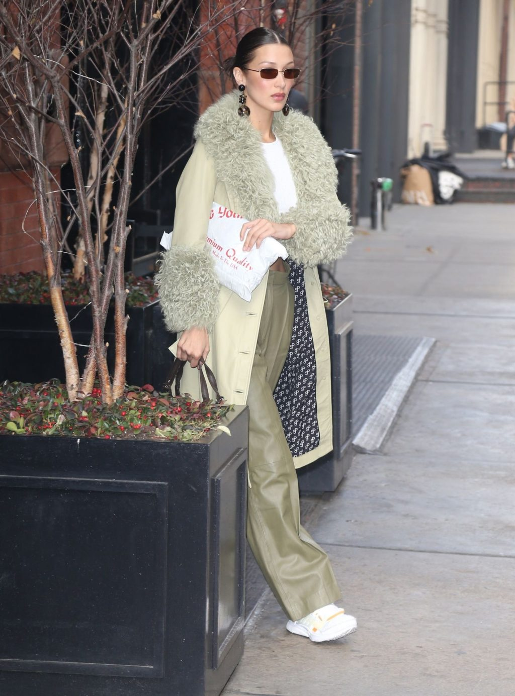 Bella Hadid See through The Fappening Blog 50 1024x1385 - Braless Bella Hadid Arrives at the Park Avenue Armory for the Marc Jacobs Fashion Show (59 Photos)