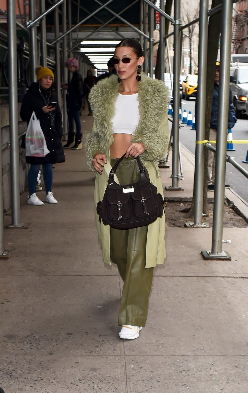 Bella Hadid See through The Fappening Blog 8 1 1024x1618 - Braless Bella Hadid Arrives at the Park Avenue Armory for the Marc Jacobs Fashion Show (59 Photos)