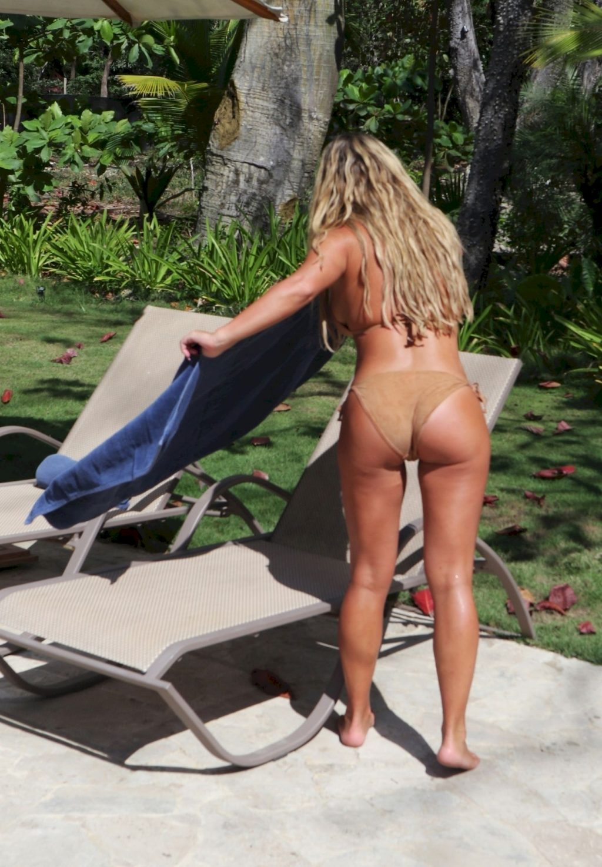 Bianca Gascoigne Shows Off Her Amazing Body in Thailand (13 Photos)