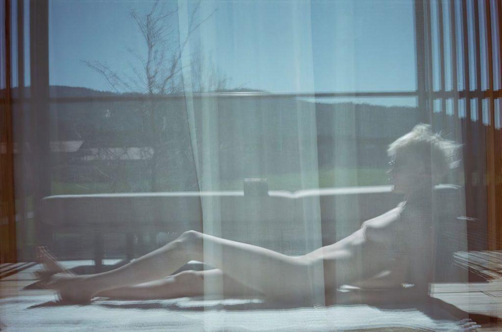 Cara Delevingne Nude (2 New Photos)
