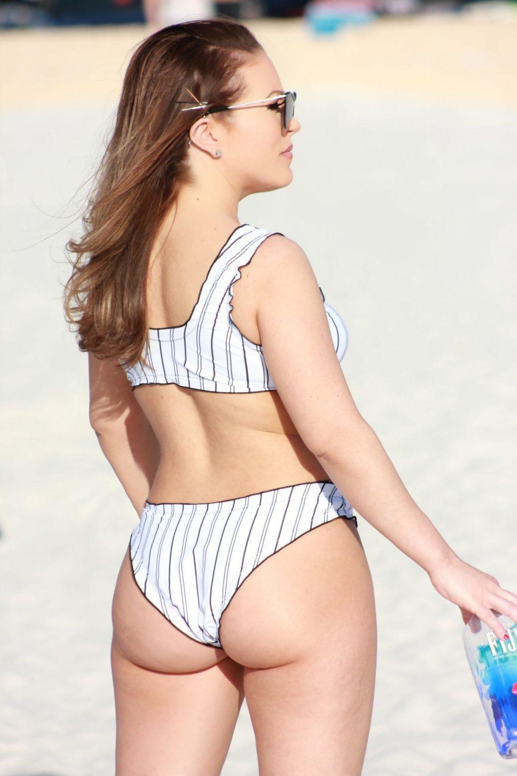 Carmen Valentina Shows Off Her Curves on the Beach (18 Photos)