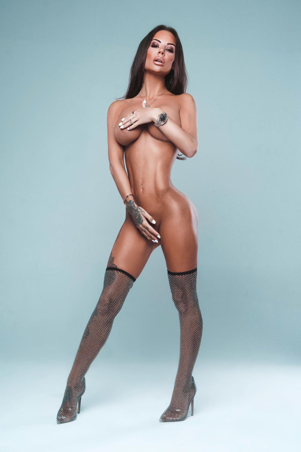 Geordie Shore's Chantelle Connelly Strips Naked for Glam Shoot (9 Photos)