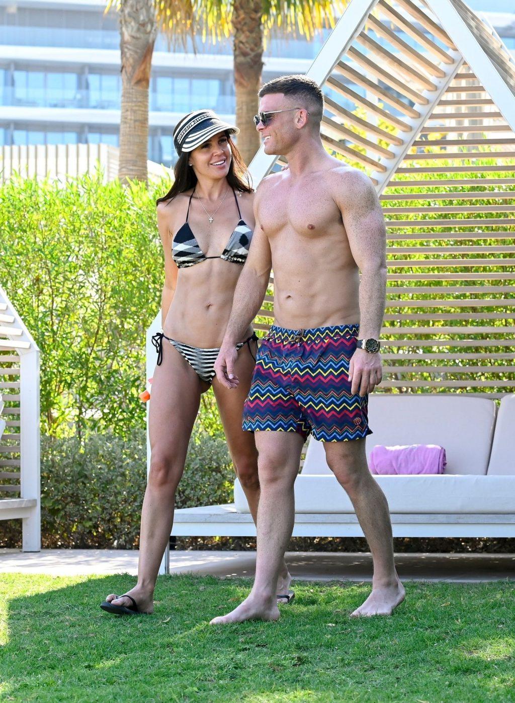 Danielle Lloyd & Michael O'Neill Playful on the Beach in Dubai (39 Photos)