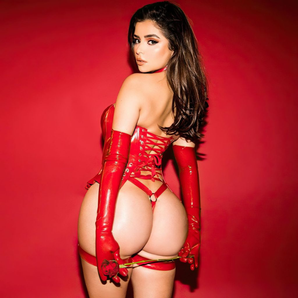Demi Rose's Butt & Boobs (8 Photos)