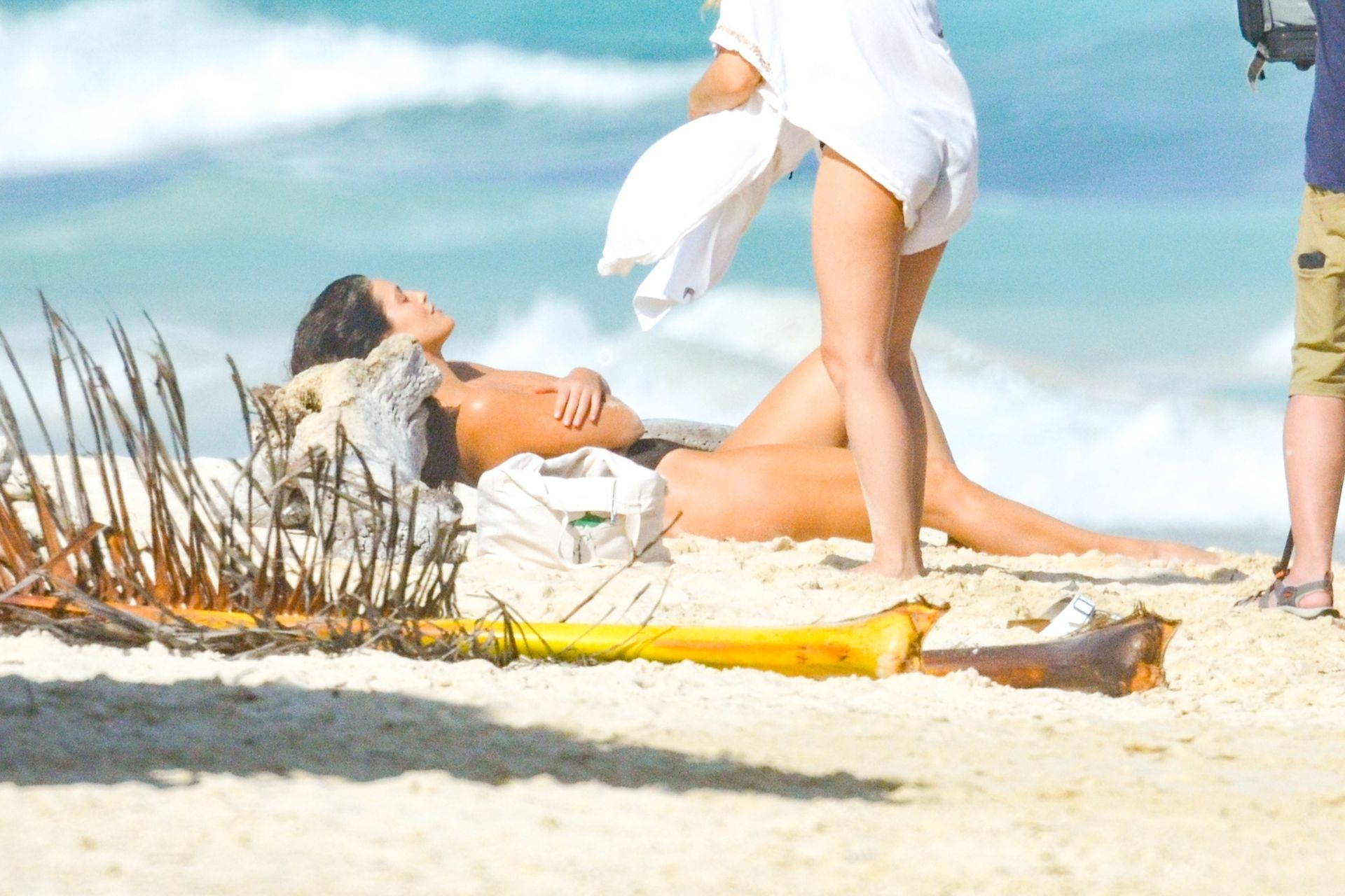 star-women-alonia-royal-tulum-topless-pictures-worship