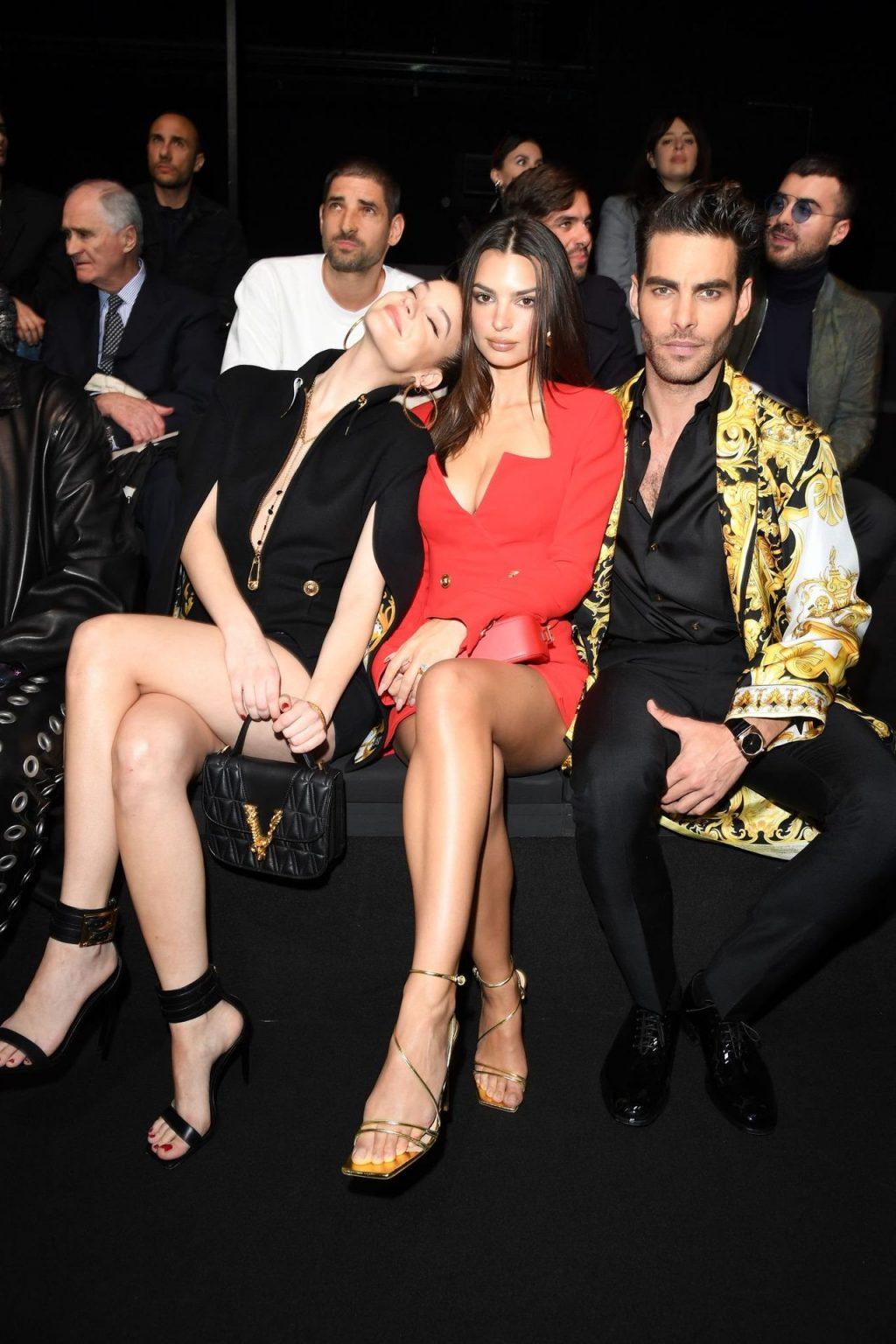Emily Ratajkowski Stuns at the Versace Fashion Show During Milan Fashion Week (90 Photos + GIFs & Video)