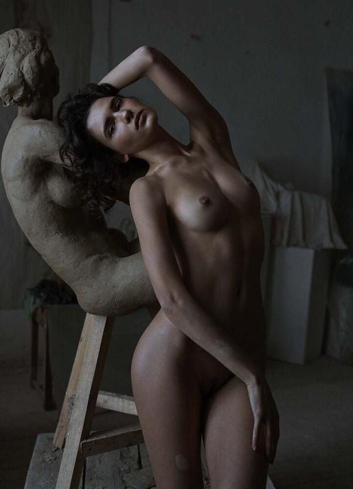 IANA Godnia Nude
