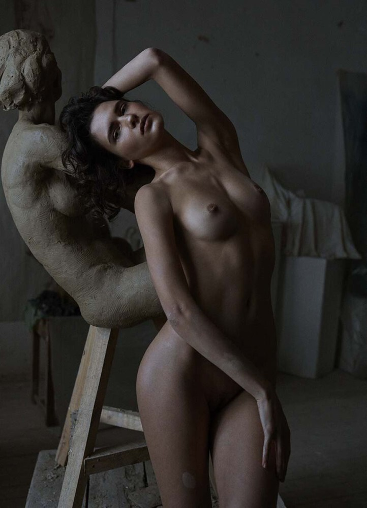 IANA Godna裸体