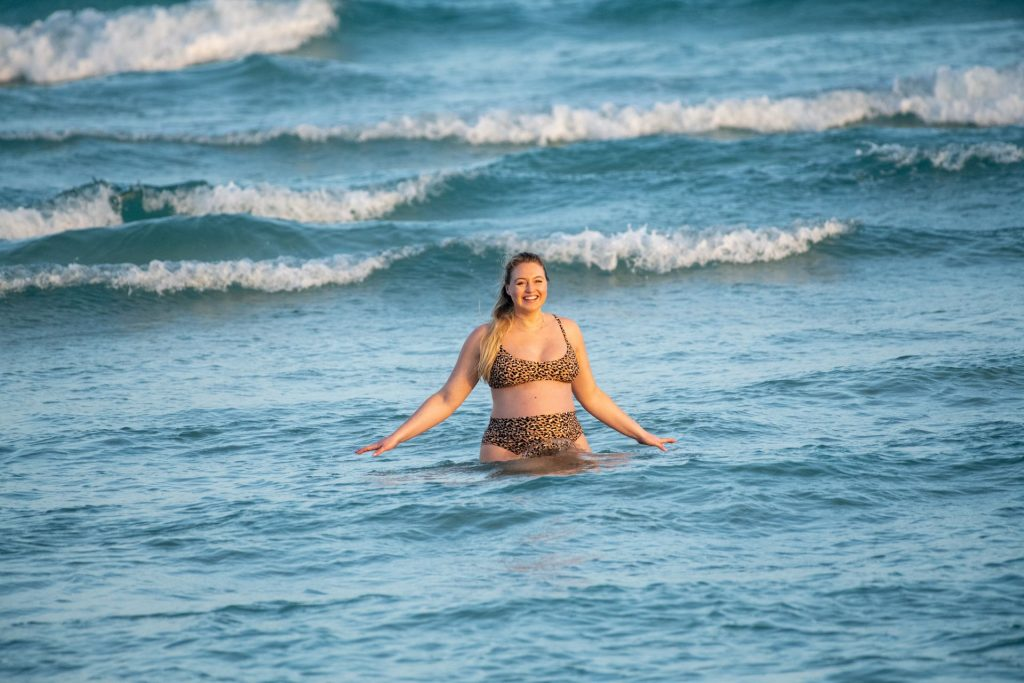 Iskra Lawrence Sexy The Fappening Blog 12 1024x683 - Heavily Pregnant Model Iskra Lawrence Takes A Sunset Dip In Miami Beach (44 Photos)
