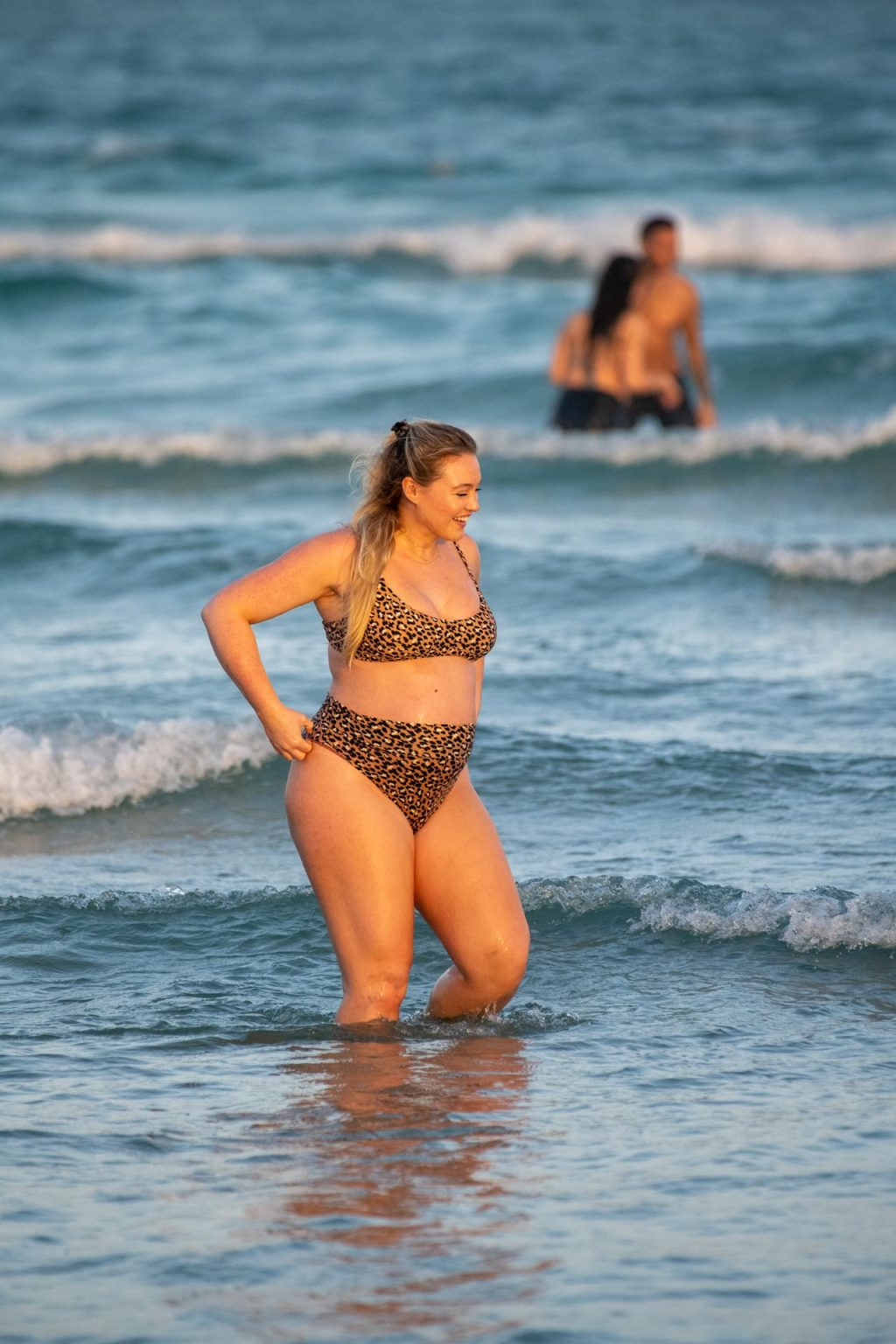 Iskra Lawrence Sexy The Fappening Blog 13 1024x1536 - Heavily Pregnant Model Iskra Lawrence Takes A Sunset Dip In Miami Beach (44 Photos)