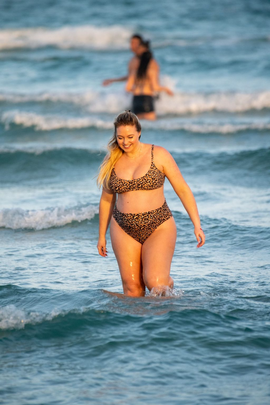 Iskra Lawrence Sexy The Fappening Blog 16 1024x1536 - Heavily Pregnant Model Iskra Lawrence Takes A Sunset Dip In Miami Beach (44 Photos)
