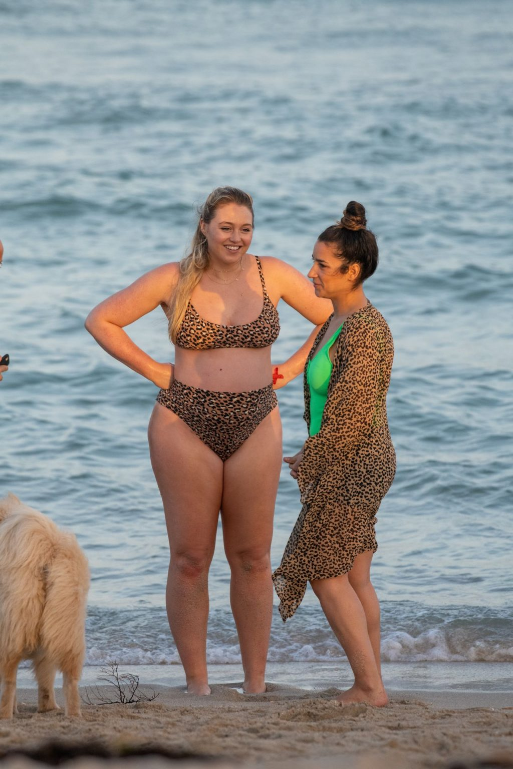 Iskra Lawrence Sexy The Fappening Blog 30 1024x1536 - Heavily Pregnant Model Iskra Lawrence Takes A Sunset Dip In Miami Beach (44 Photos)