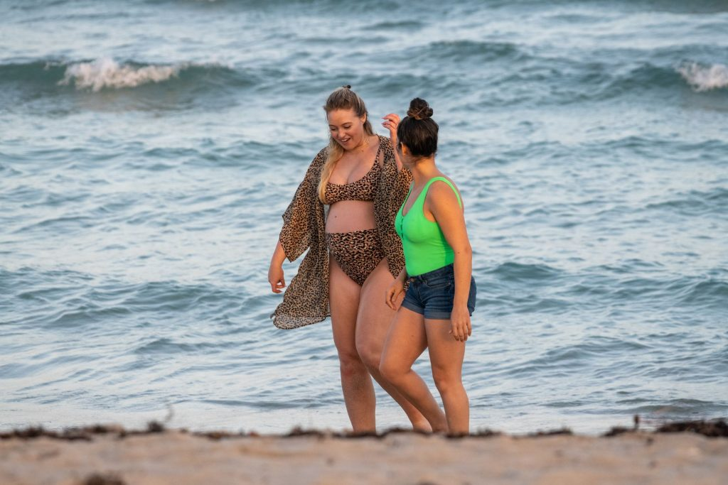 Iskra Lawrence Sexy The Fappening Blog 32 1024x683 - Heavily Pregnant Model Iskra Lawrence Takes A Sunset Dip In Miami Beach (44 Photos)