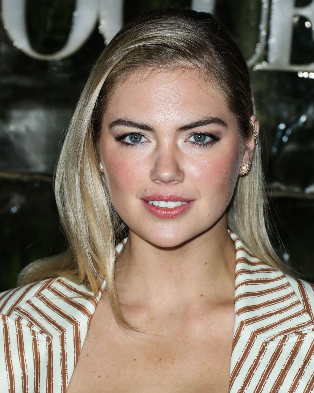 Kate Upton Sexy The Fappening Blog 21 1024x1280 - Kate Upton Attends Canada Goose And Vogue Cocktails & Conversations (104 Photos)