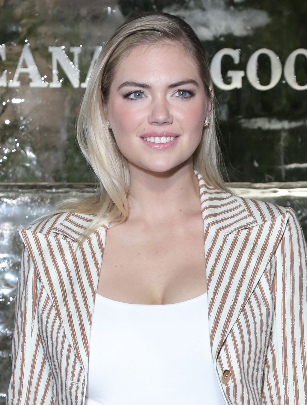 Kate Upton Sexy The Fappening Blog 52 1024x1352 - Kate Upton Attends Canada Goose And Vogue Cocktails & Conversations (104 Photos)