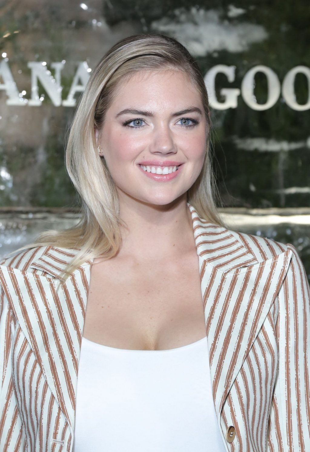 Kate Upton Sexy The Fappening Blog 53 1024x1493 - Kate Upton Attends Canada Goose And Vogue Cocktails & Conversations (104 Photos)