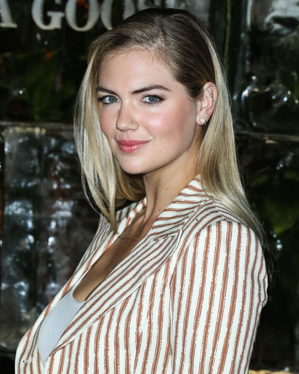 Kate Upton Sexy The Fappening Blog 81 1024x1280 - Kate Upton Attends Canada Goose And Vogue Cocktails & Conversations (104 Photos)