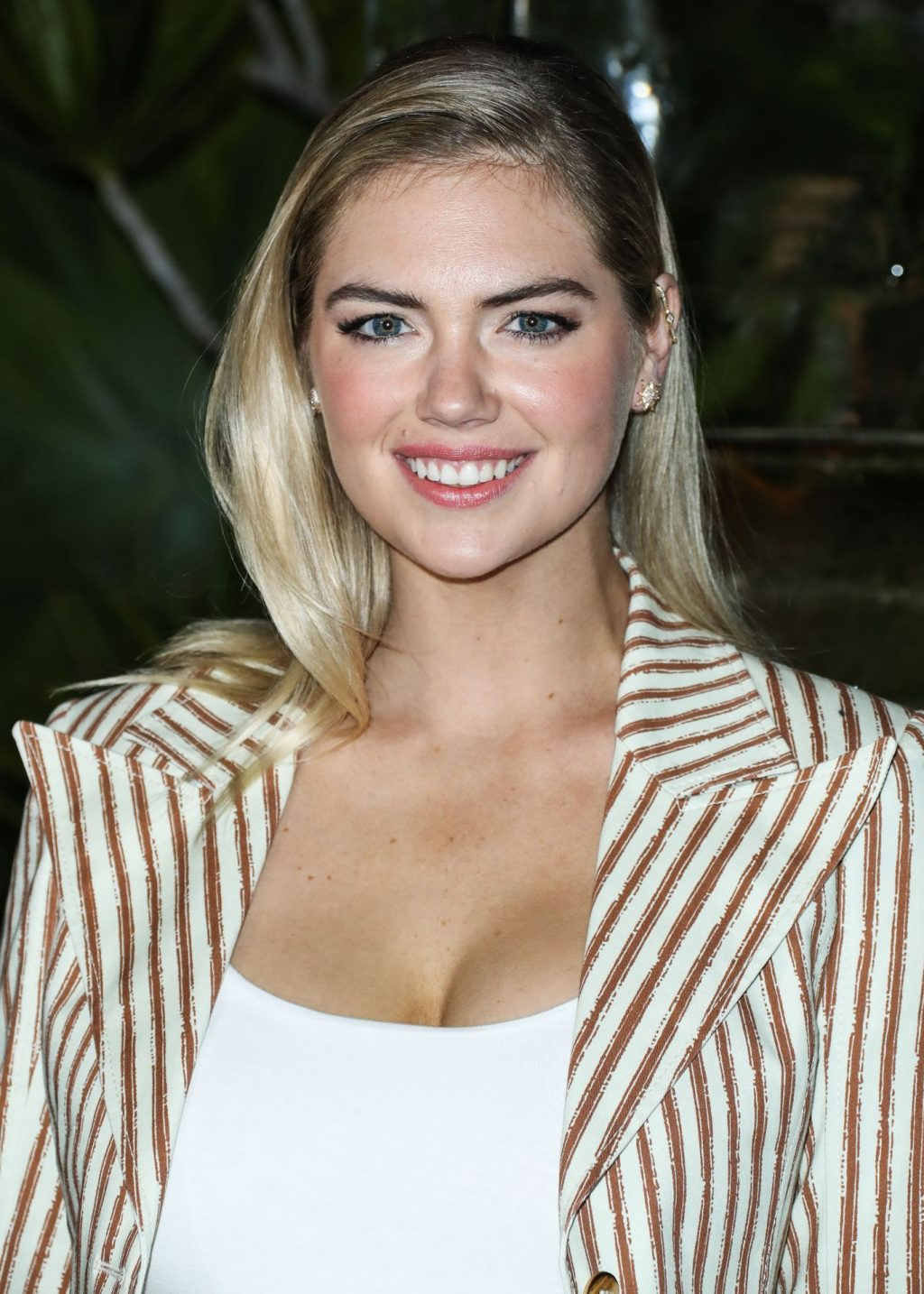 Kate Upton Sexy The Fappening Blog 88 1024x1434 - Kate Upton Attends Canada Goose And Vogue Cocktails & Conversations (104 Photos)