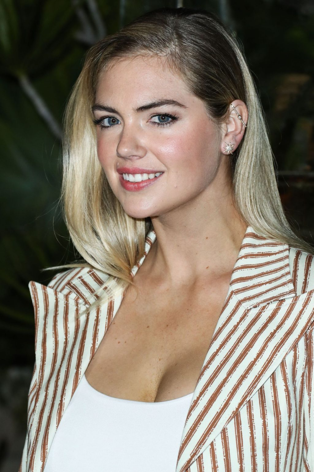 Kate Upton Sexy The Fappening Blog 89 1024x1536 - Kate Upton Attends Canada Goose And Vogue Cocktails & Conversations (104 Photos)
