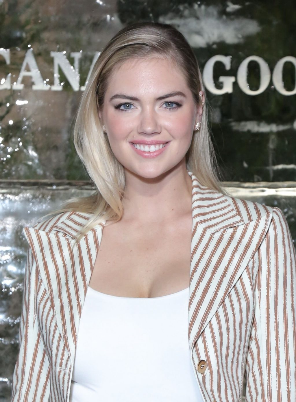 Kate Upton Sexy The Fappening Blog 9 1024x1392 - Kate Upton Attends Canada Goose And Vogue Cocktails & Conversations (104 Photos)